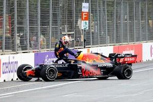 """ハミルトン、アゼルバイジャンでのタイヤバーストは""""ピレリの責任ではない""""と主張「僕らには問題なかったし」"""