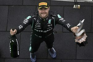 ボッタス優勝「僕にとってのベストレース。すべてをコントロールできた」メルセデス/F1第16戦
