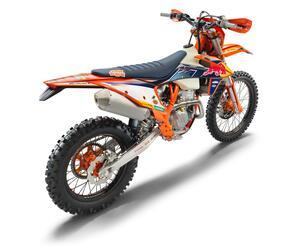 170万円の意味は、スペシャルサスにあり。究極のエンデューロバイクが差額12万円で手に入る