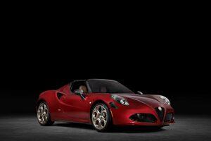 4C Spiderの最終生産モデルは極上の装備が満載!1967年製Alfa Romeo 33 Stradaleの栄光を受け継いだアルファロメオ「4C Spider 33 Stradale Tribut」