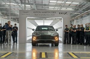 アストンマーティン初のSUV「DBX」の最初の市販モデルがついに完成。世界市場への納車は7月後半から開始