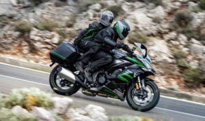 スポーティーなライディングフィールとツーリングの快適性を追求したカワサキのスポーツツアラー「Ninja 1000SX」