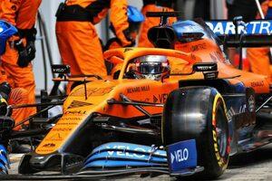 マクラーレンF1代表、タイヤ交換時のミスを謝罪「渋滞のなかに送り出すことになってしまった」