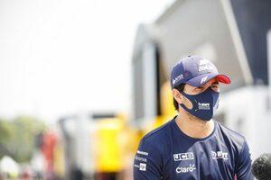 「ベッテル移籍の噂はいずれ消える」ペレス、レーシングポイントF1残留に自信