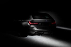 BMWが次期「M3」に史上初となるワゴンを予告、リアビューも公開