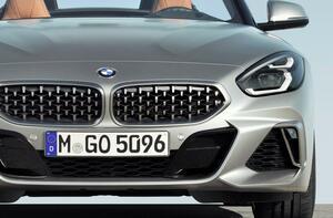 新車は約100万円高なのに!? BMW Z4が中古だとスープラより断然お得な訳