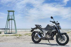 ジクサー150に匹敵する燃費? 航続距離もけっこうある! スズキの『ジクサー250』こそ250ccバイク最高コスパです!【SUZUKI GIXXER 250/試乗インプレ(3)】