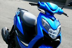 いまイチオシの原付二種125cc通勤スクーター【スズキ編】コンパクトなボディにこだわりが凝縮された「スウィッシュ」