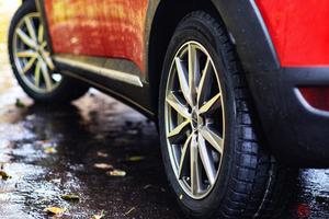 あなたの愛車は大丈夫? タイヤの空気圧 インチアップしたら適正値はどう変化する?