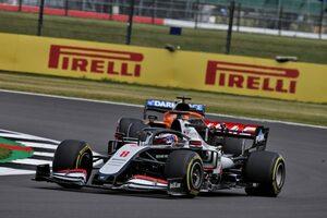 問題視されるグロージャンのドライビング「ルールを知らない素人同然」と元F1ドライバーが痛烈批判