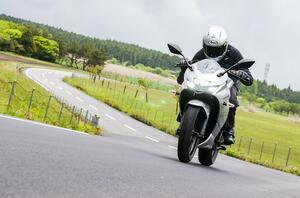 《ジクサーSF250まとめ》注目の新型250ccバイクで街乗り、ツーリング、ワインディングまで。結局どれがいちばん楽しめる?【SUZUKI GIXXER SF 250/試乗インプレ(5)】