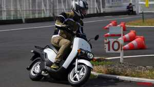 ホンダのお仕事向け電動バイク「BENLY e:(ベンリィ イー)」に試乗したら想像以上に面白かった!
