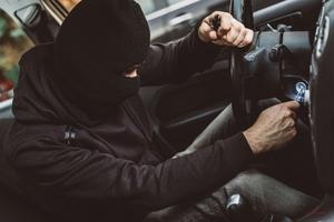 【クルマ盗難】駐車場から愛車が消えた!? 自動車盗難に気づいたら、まずやるべきこと