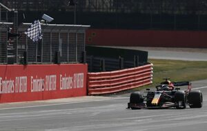 【F1第5戦無線レビュー(2)】逆転で首位浮上のフェルスタッペン「水分とってる? 消毒もしておいてね」