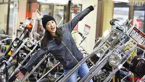 人気モデル・朱香が訪ねる初めてのビンテージハーレーショップ:遠藤自動車