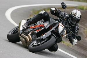 KTM「1290 SUPER DUKE R」デュークシリーズ最新最高モデルの走りはいかに?【試乗インプレ・車両解説】(2020年)