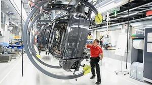 シーメンス、ポルシェ「タイカン」製造ライン AGV活用コンポーネントを設置