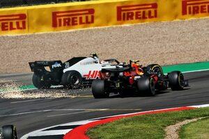 8位アルボン、接触のペナルティに不満「僕ひとりの責任だとは思わない」レッドブル・ホンダ【F1第4戦決勝】
