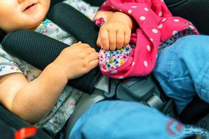 炎天下の車内は大人も耐えられない暑さに!? 子どもの車内放置が危険なワケ