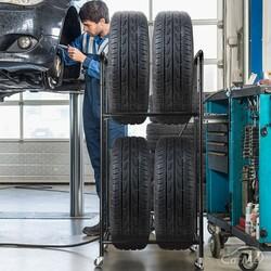 おすすめのタイヤラックを紹介!タイヤラックを使う3つのメリットを解説