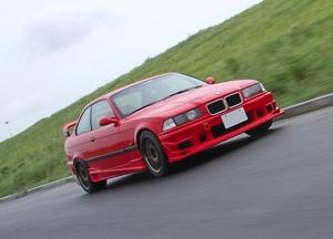 「E36型M3はちょっと大きなハチロク!?」サスチューニングでビーエムは大化けする!