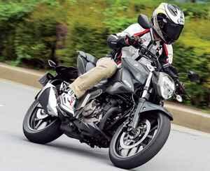 スズキ「ジクサー250」扱いやすくてコスパも高い! 爽快な新型ネイキッドスポーツバイク【試乗インプレ・車両解説】(2020年)
