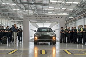 「メイド・イン・ウェールズ」となる最初のアストンマーティン!初のSUV「DBX」が新しい製造施設からラインオフ