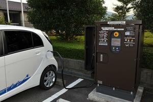 反則金がない! マンションの管理組合問題! 世界中が電動化へ向かっても「電気自動車」が日本で普及しないワケ