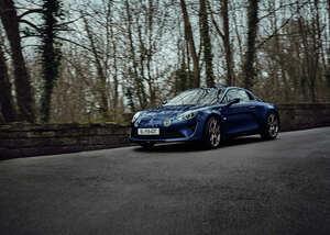 アルピーヌ A110 リネージ GT、世界限定400台のうち国内販売台数が30台に決定し受注を開始