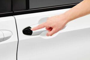 ホンダアクセス、N-BOXやフリード向けにワンタッチスライドドア ボタンで開閉可能に