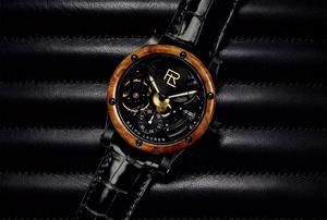 動く芸術を腕に纏う。ラルフ・ローレンが愛するヴィンテージカーのディティールを腕時計で表現【Style in motion 052】