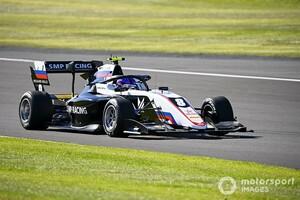 FIA F3シルバーストン:レース2はルーキーのスモリャルがポールから初優勝