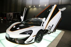 マクラーレン、620Rを日本初公開! 「公道を走れるGT4マシン」は350台限定のアスリートモデル