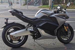 URBET新型電動バイク「NURA」発表 原付二種クラスのスポーツモデルでラインナップを拡充
