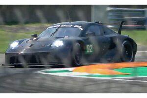 ポルシェ、911 RSRの新しい排気レイアウトを模索。音量抑制でテストの容易化図る