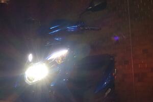 夜も超安心の125ccスクーター! フルLED灯火器がすこぶる明るい!?【穴が空くまでズキを愛でる/スウィッシュ 試乗インプレ(4)】