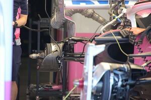 """レーシングポイント、1月にメルセデスの旧型ブレーキダクトを""""スペアパーツ""""として受領"""