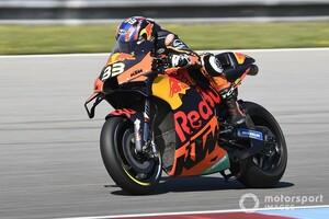 """MotoGPチェコGP決勝レースレポート:""""初""""づくしのブラッド・ビンダー優勝にKTM歓喜。中上追い上げ8位"""
