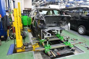 大切な愛車を任せるならドッチが正解? 「認証工場」と「指定工場」違いとは