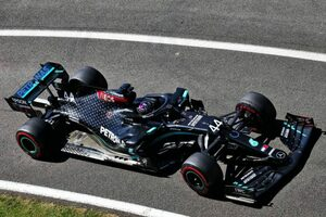 F1 70周年記念GP FP2:ハミルトンが最速でメルセデス1-2。終盤にはフェラーリにトラブル発生