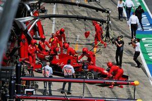 同士討ちのルクレール、フェラーリとベッテルに謝罪「すべて焦った僕の責任。自分に失望」【F1第2戦決勝】