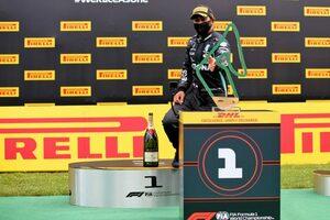 ハミルトン、問題を乗り越えて勝利「楽ではなかった。レッドブルに用心しなければならない」メルセデス【F1第2戦決勝】