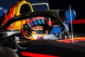角田裕毅、FIA-F2第2戦予選で初ポール獲得「大きなステップになった。今回はミックに感謝しないと(笑)」