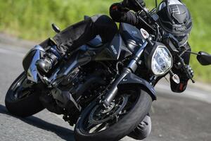 《中編》ネイキッド『ジクサー250』の走りって? 250ccのバイクらしい爽快ライトウェイトスポーツです!【SUZUKI GIXXER 250/試乗インプレ(2)】