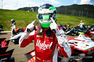 FIA F3シュピールベルク2:レース1は天候悪化により残り10周で赤旗終了。ベスティが初優勝飾る