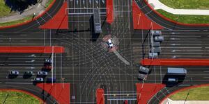 ボッシュ:市街地の自動運転において車両とインフラを連携