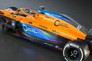 マクラーレンがレインボーカラーのマシンMCL35を披露。F1の人種差別反対運動に賛同