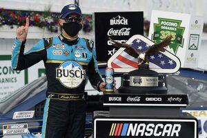 NASCAR:カップシリーズ初のポコノダブルヘッダーはフォードとトヨタが勝利分け合う