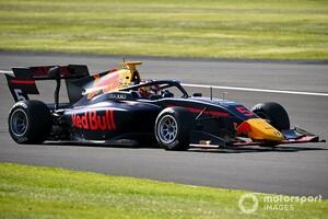 FIA F3シルバーストン:クラッシュ続出のレース1はレッドブル育成のローソンが制す。今季2勝目