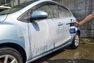 プロっぽい泡洗車が手軽にできる!ソフト99 「パーフェクトフォーム スターティングセット 」を使ってみたら、思いのほか楽しいのだ。